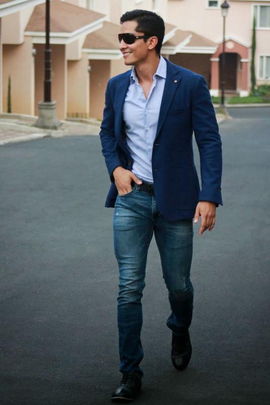 blazer com jeans escura