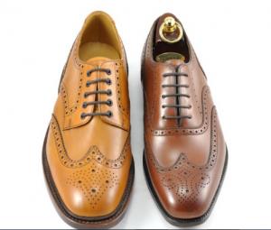 Sapato social Brogue (ponta de asa) com bico redondo
