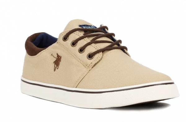 799038a7e Para limpar os tênis casuais e outros sapatos com o acabamento que não seja  em couro, basta seguir aquela velha maneira que sempre usamos desde  criança, ...